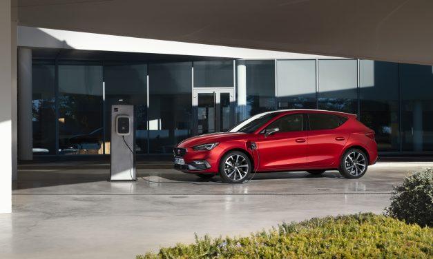 Nuevo SEAT León e-HYBRID: ya está aquí el primer modelo híbrido enchufable de la marca
